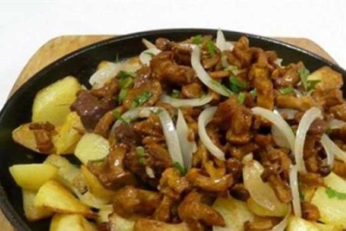 Жареные опята с картошкой